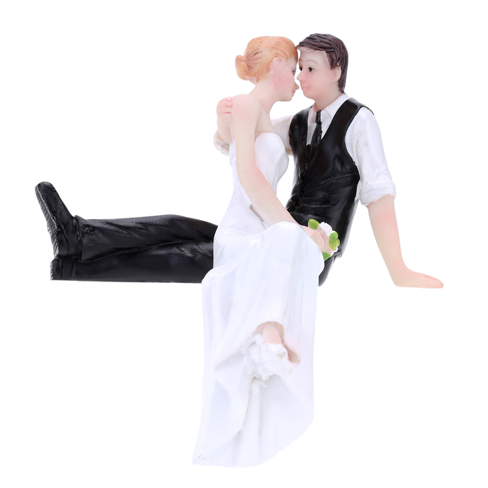 High Quality Synthetic Resin Bride & Groom Wedding Cake Topper Romantic Wedding Party Decoration Adorable Figurine Craft Gift H16186-9